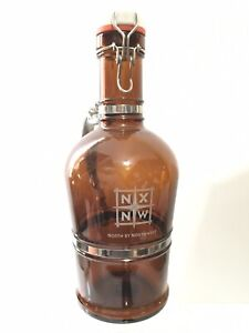 Muster Geschutzt 2L North By Northwest Silver Handle Growler Brown Glass