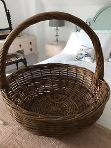 """Lovely Old VTG Very Large Round Chunky Wicker Basket with Handle Logs Towels 57"""""""