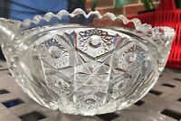 Vintage Beautiful Indiana Glass 81/4 inch Flower Bowl w/ Scalloped Edge