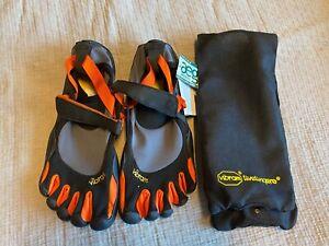 vibram fivefingers KSO Multisport Größe 44, Schwarz,Orange M1483 NEU Ohne Karton