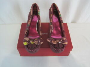 """New """"Pryounme"""" Wine Leather Heel Size 7.5  (Y66-1101)"""