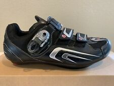 NEW BLACK PEARL IZUMI ROAD RACE CYCLING SHOES MEN 42 IN THE BOX.