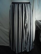 Peter Morrissey Ladies Skirt in a Black and White Stripe Size 14 - NWOT