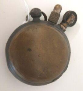 Artisanat de tranchée Briquet rond complet