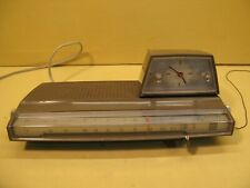 vintage retro futuristic radio clock alarm design Space Age PHILIPS 22RS274/42s