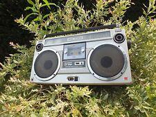 Un magnétophone getthoblaster Sharp gf9191h Radio Récepteur gf9191 h Top