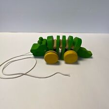 PLAN TOYS Classic Green Wooden Dancing Click Clack Alligator Pull Toy 2003