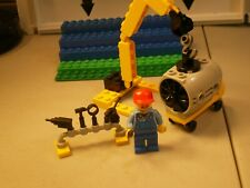 LEGO AIRPORT MECHANIC AND ENGINE AND HOIST FOR 7901 AND 7894