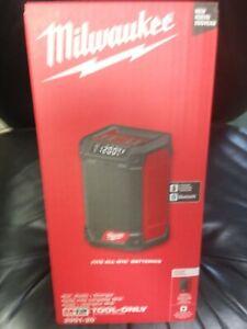 Milwaukee 2951-20 M12 Cordless Radio + Charger New