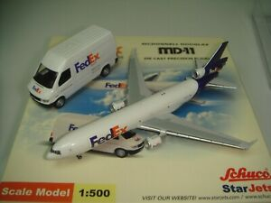 """StarJets 500 Federal Express Fedex MD-11F """"1992s color - With a Truck"""" 1:500"""