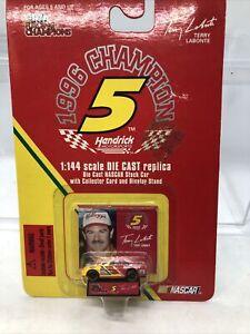 Racing Champions 1996 #5 Terry Labonte 1:144 Die-Cast