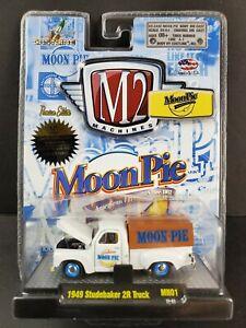 M2 Machines 1949 Studebaker 2R Truck Moon Pie Series #31500 13-01 White 1:64