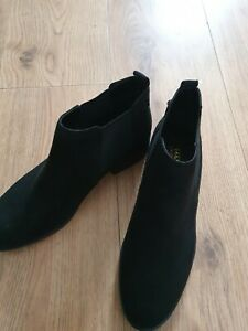 Ladies M &S Black Pull On Leather Ankle Boots Uk Size 5