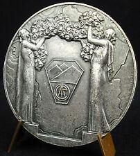 Médaille FIATC Grenoble 1972 sc M Delannoy Femmes et couronne de fleurs Medal