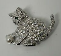 SIGNED SWAROVSKI PAVE CRYSTAL CAT WITH CRYSTAL PEARL PIN~BROOCH RETIRED