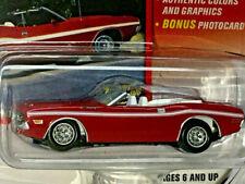 Voitures, camions et fourgons miniatures Johnny Lightning Challenger Dodge