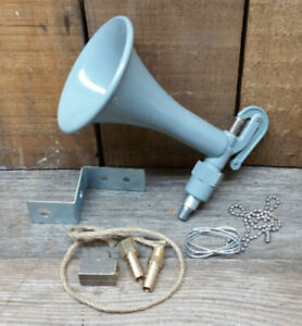 WOLF WHISTLE VINTAGE STYLE AIR HORN RAT HOT ROD CUSTOM BOMB LOW RIDER OLD SCHOOL
