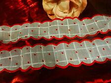 2m,10 en tout joli galon étagéres cuisine rouge ,rideau  rouge surbrodé  neuf