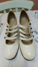 VINTAGE 1960s shoes original vintage white mod gogo
