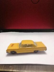 Vintage Lesney Matchbox #20 Chevy Impala Taxi
