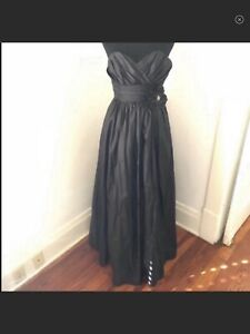 Watters & Watters Black Taffeta Strapless Floral Accent Gown Sz 0 formal