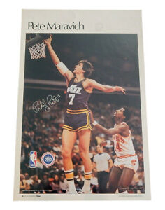 """1977 Sports Illustrated Pete Maravich Poster Measures 24"""" X 36"""""""