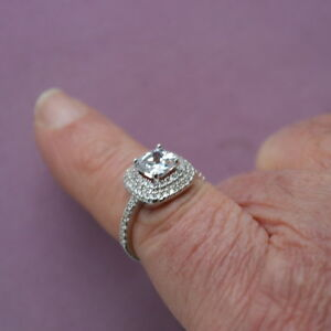18 Kt White Gold PG Ring With Cushion Cat Cubic Zirconia 1.9 Gr. IN GIFT BOX