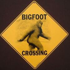 BIGFOOT CROSSING Sign  ALUMINUM  picture decor home novelty art sasquatch signs