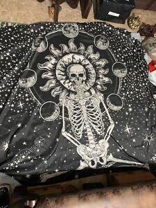skeleton black wall hanging 70 x 90