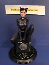 DC Cover Girls Catwoman by Joelle Jones Statue #2487/5000 New Batman