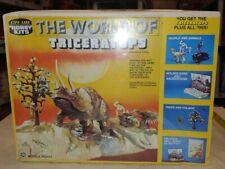 Vintage life-like hobby kit SEALED, The World Of Triceratops DINOSAURS. NIB (9i)