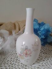 Lovely bud vase mystic dawn by Royal Doulton vase with pink flowers England 1985
