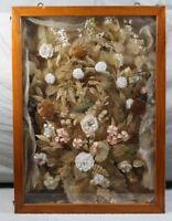 riesige Klosterarbeit im Glas Schaukasten mit Tür - 19. Jhdt. - ca. 79x58x11 cm.