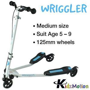 Kidzmotion Wriggler 3 wheel swing scooter speeder drifter (age 5+) blue