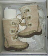 Girl's size 5M Off White NKDaffodil-K winter boots (Nine West Kids)