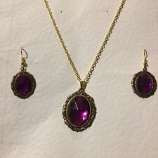 VICTORIAN STYLE MAGENTA PURPLE CRYSTAL OVAL GOLD PLATED PENDANT EARRINGS SET