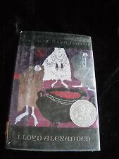 THE BLACK CAULDRON by LLOYD ALEXANDER 1999 HBDJ Book 2 THE CHRONICLES OF PRYDAIN