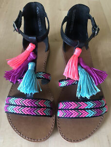The Childrens Place Size 2 Textile Buckle Flat Tassel Bright Summer Girl Shoes