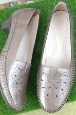 SAS 7M Brown Womens Shoes Block Heels  Patent Leather Slip On Pump EUC