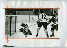 GRAHAM PARSONS 1973-74 AHL CINCINNATI SWORDS vs NEW HAVEN NIGHTHAWKS PRESS PHOTO