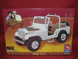 Dukes of Hazzard Daisy's Jeep CJ-7 AMT Ertl 1:25 Plastic Model Kit 38371