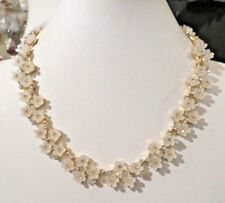 NEW TALBOTS OPAQUE FLOWER NECKLACE