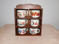 VINTAGE 6 HELLERWARE COFFEE SOUP MUGS COUNTIES FLAGS IN WOOD WALL DISPLAY