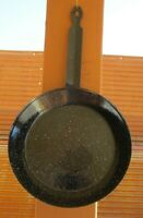 "Vintage Black With White Speckles Enamelware Graniteware 9 1/4"" Skillet EUC"