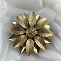 Vtg Sarah Coventry Daisy Flower Brooch Gold Tone Sunflower