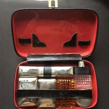 Coffret de toilette ancien, 6 pièces/ ancient toiletry set in its vanity case
