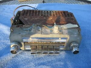 1961 1962 Chrysler AM radio