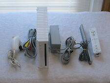 Nintendo Wii White Console RVL-001/ Game Cube Compatible Bundle