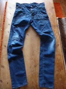 mens DSQUARED2 distressed jeans - size 32/32 great condition
