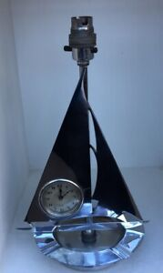 VERY STYLISH ART DECO CHROME TABLE LAMP IN THE FORM OF A YACHT WITH CLOCK